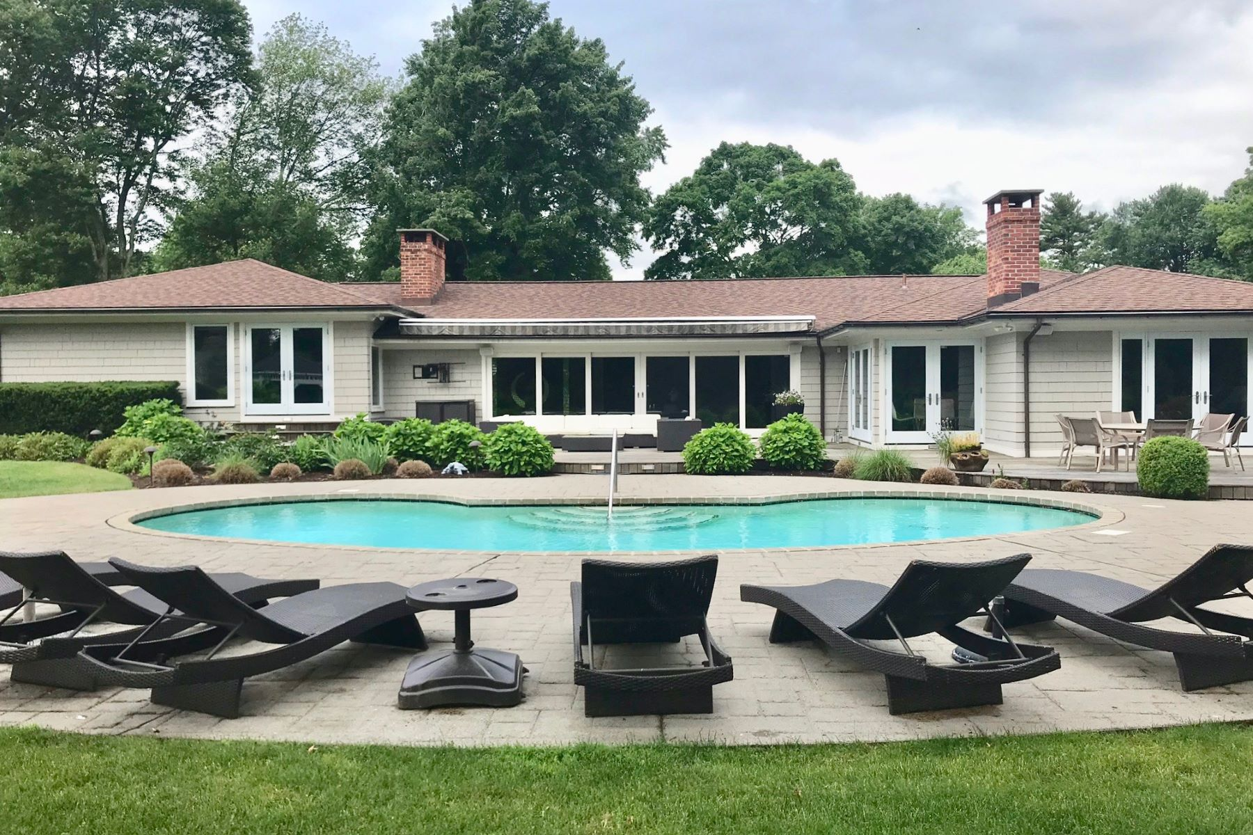 Single Family Homes for Sale at Pristine & Beautifully Renovated Ranch in Sought After Sasqua Hills 20 Sasqua Road Norwalk, Connecticut 06855 United States