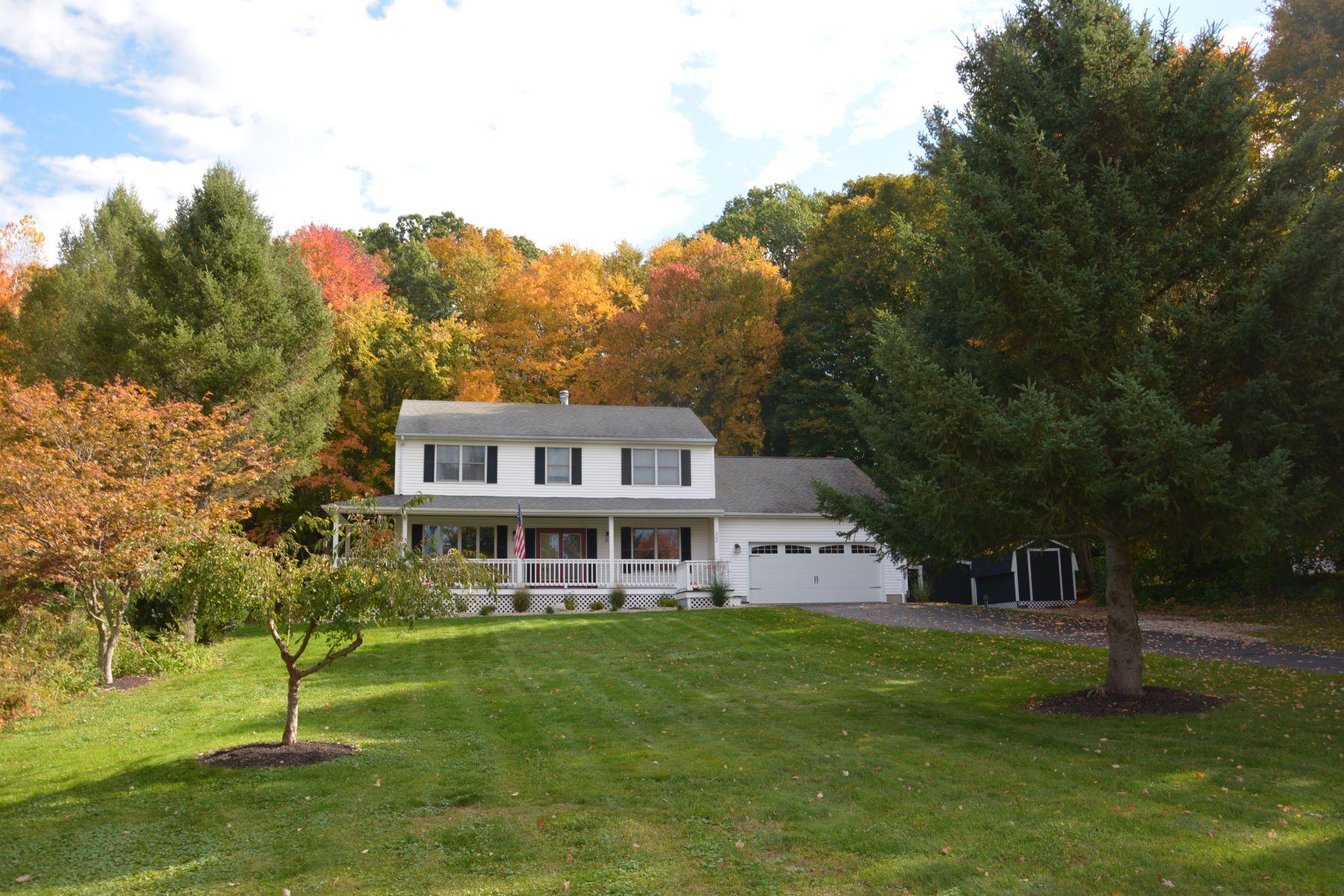 Maison unifamiliale pour l Vente à 300 Margarite Rd Middletown, Connecticut, 06457 États-Unis
