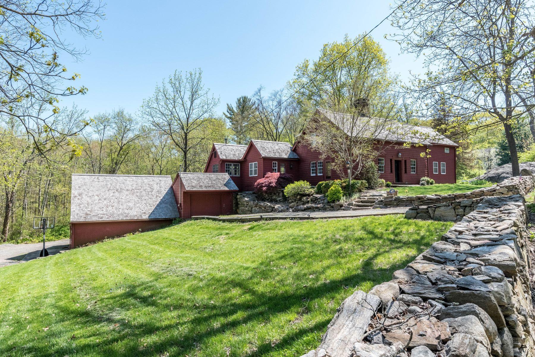Single Family Homes für Verkauf beim Over 300 Years Of Connecticut History 43 Old Easton Turnpike, Weston, Connecticut 06883 Vereinigte Staaten