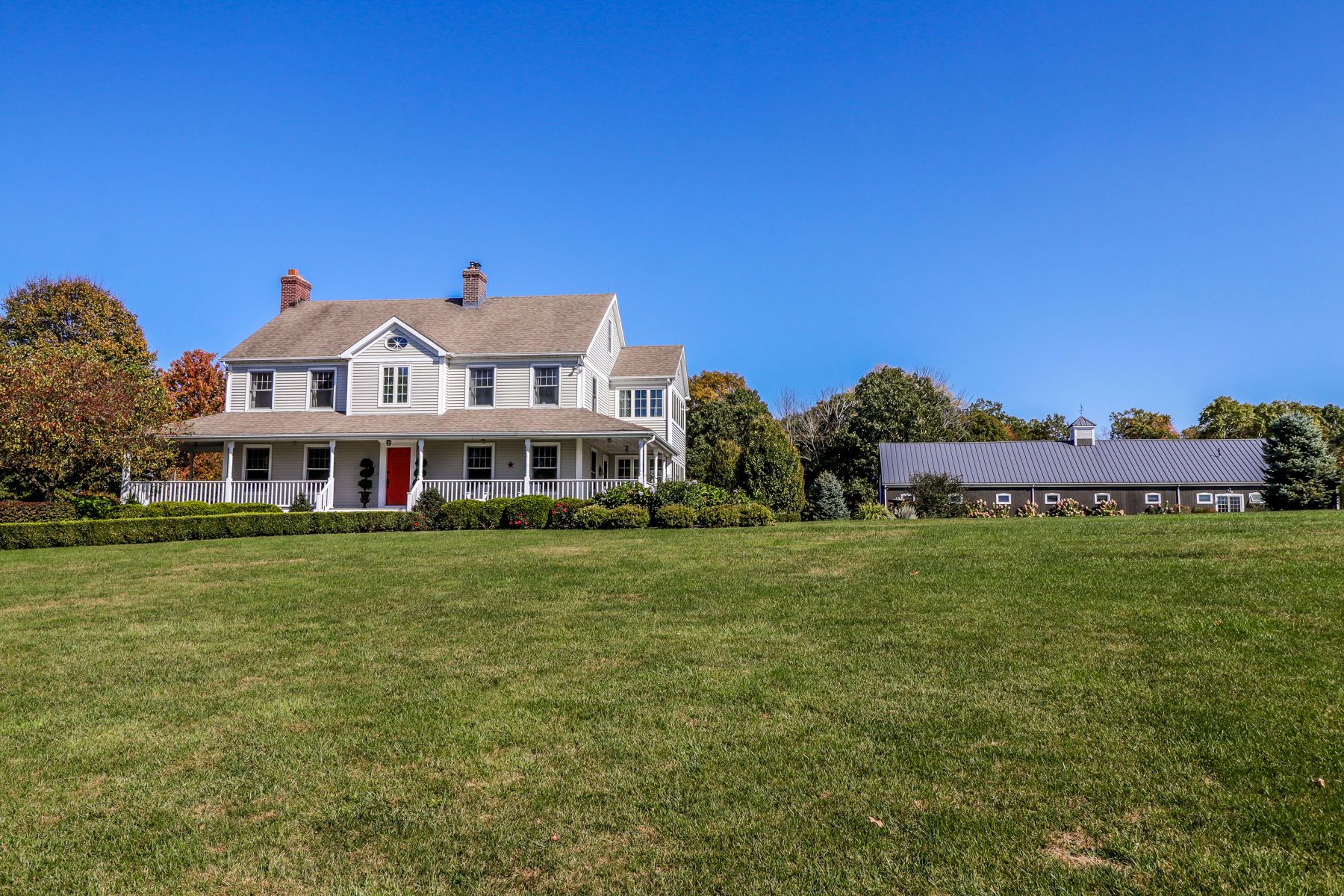 Single Family Homes pour l Vente à Bountiful Equestrian Property 2 Beaver Pond Lane, Bridgewater, Connecticut 06752 États-Unis