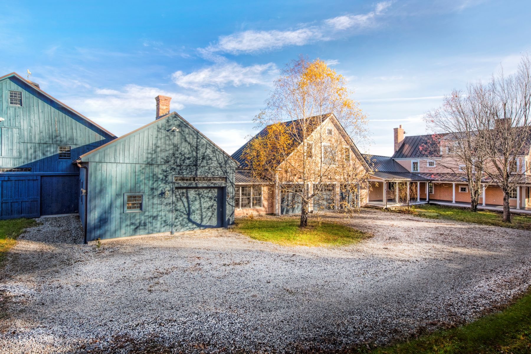Maison unifamiliale pour l Vente à Outstanding 103 Acre Horse Farm with Many Terrific Features 92 North Rd Chesterfield, Massachusetts 01012 États-Unis