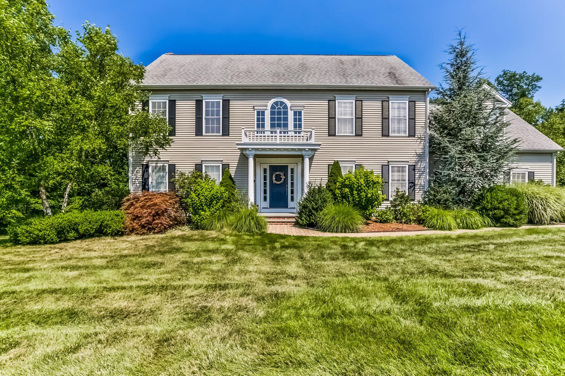 Vivienda unifamiliar por un Venta en 448 Jennifers Drive Guilford, Connecticut, 06437 Estados Unidos