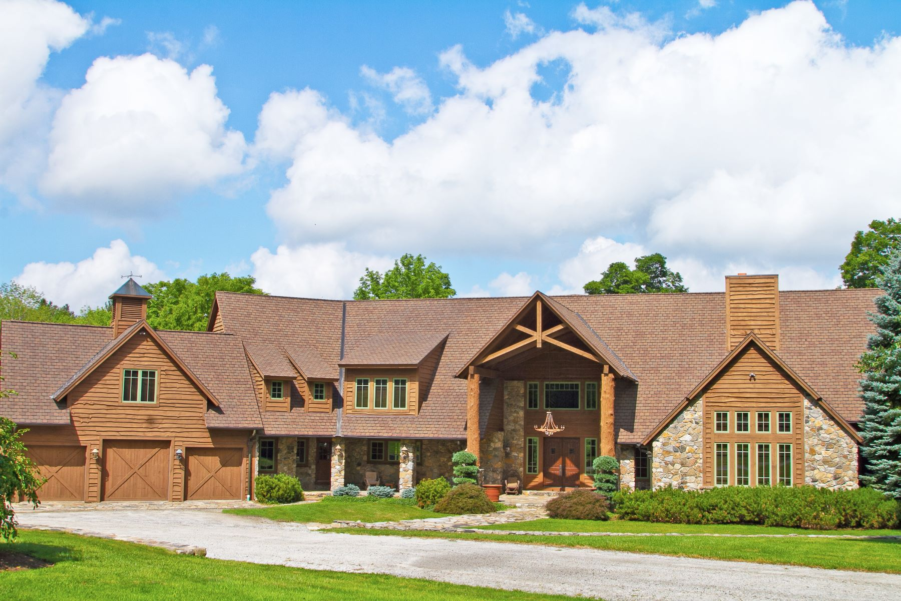 Single Family Homes للـ Sale في Stunning Country Home 847 & 849 North Street, Goshen, Connecticut 06756 United States
