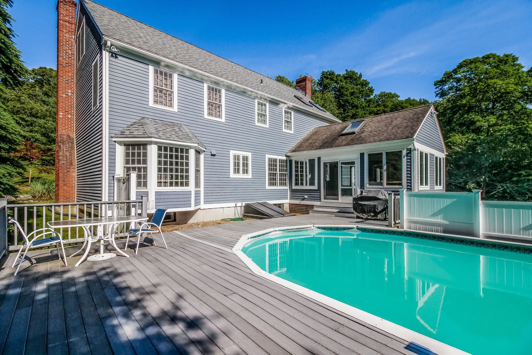 Single Family Homes for Sale at Impressive Colonial in a Desirable Neighborhood 67 Ortner Drive Westbrook, Connecticut 06498 United States