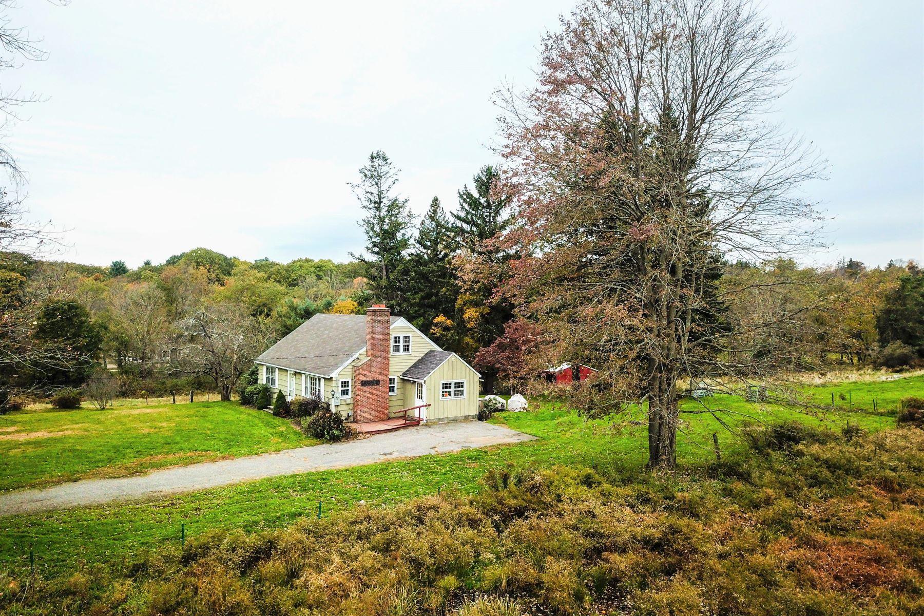 Casa Unifamiliar por un Venta en River Front, Pond, Fields, Cape on 28 Acres 39 Camp Dutton Road Litchfield, Connecticut 06759 Estados Unidos