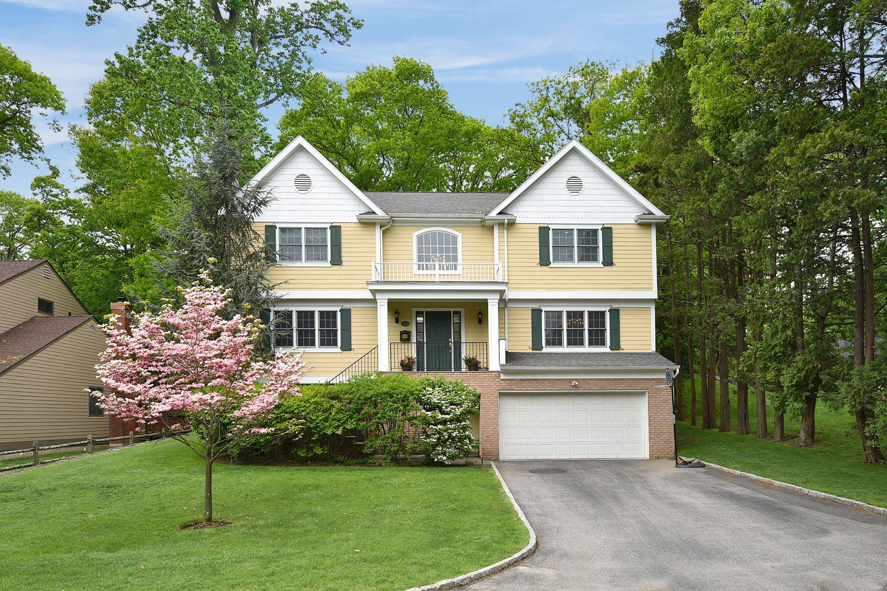 Casa Unifamiliar por un Alquiler en 128 Devonshire Road 128 Devonshire Road Larchmont, Nueva York 10538 Estados Unidos