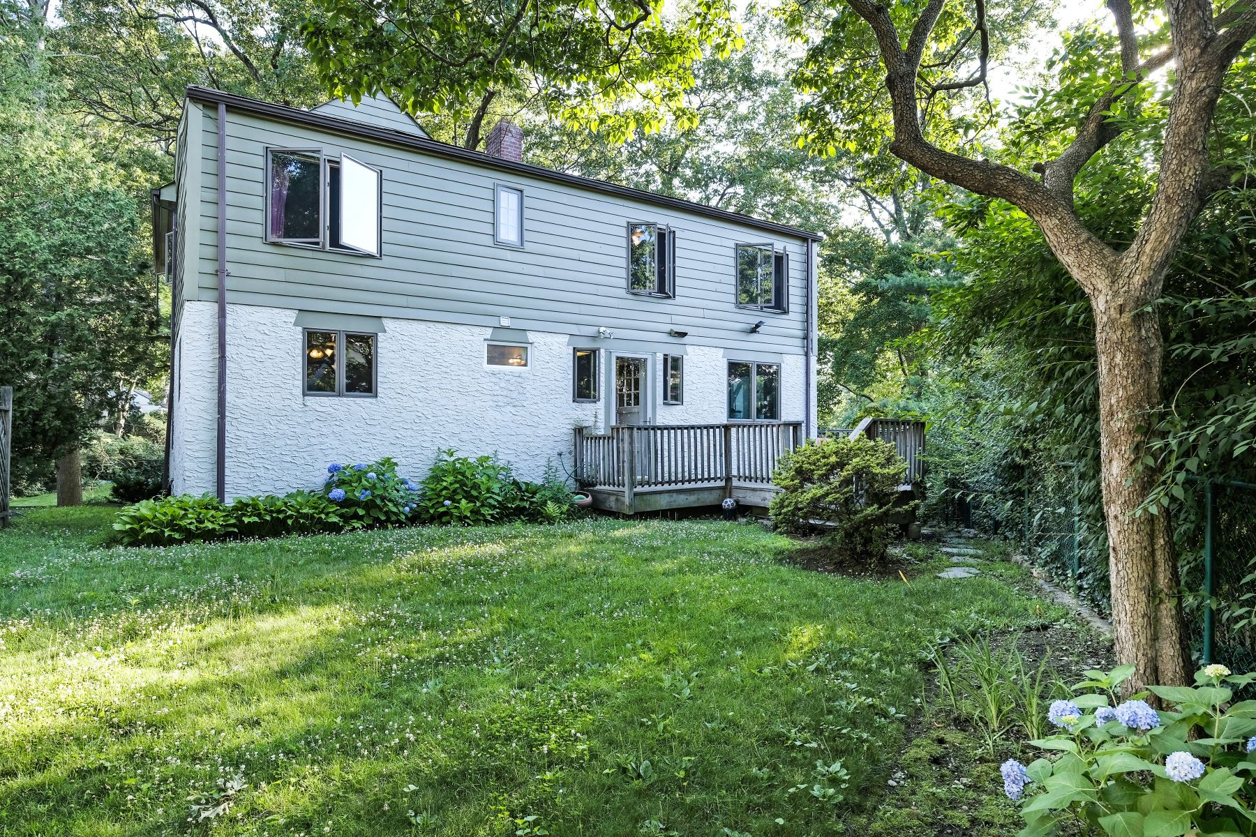 Additional photo for property listing at 45 Linwood Road  New Rochelle, New York 10804 États-Unis