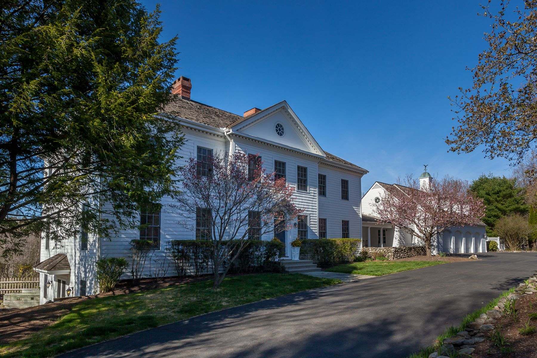 Single Family Home for Sale at Exquisite Georgian Estate 8 Mallory Rd Roxbury, Connecticut, 06783 United States