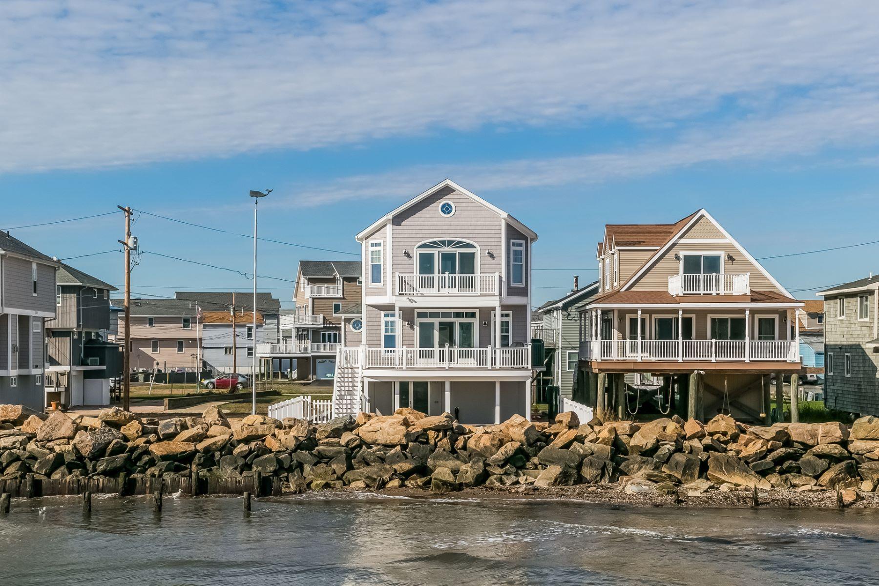 Einfamilienhaus für Verkauf beim Built in 2010 with great attention to every detail 15 Ellis Road, East Haven, Connecticut, 06512 Vereinigte Staaten