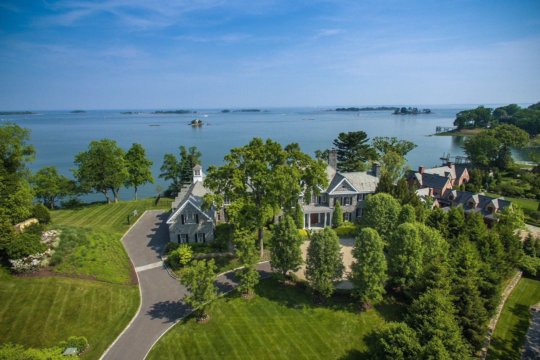 Casa Unifamiliar por un Venta en Elegant Waterfront Georgian Manor 12 Valley Road Norwalk, Connecticut, 06854 Estados Unidos