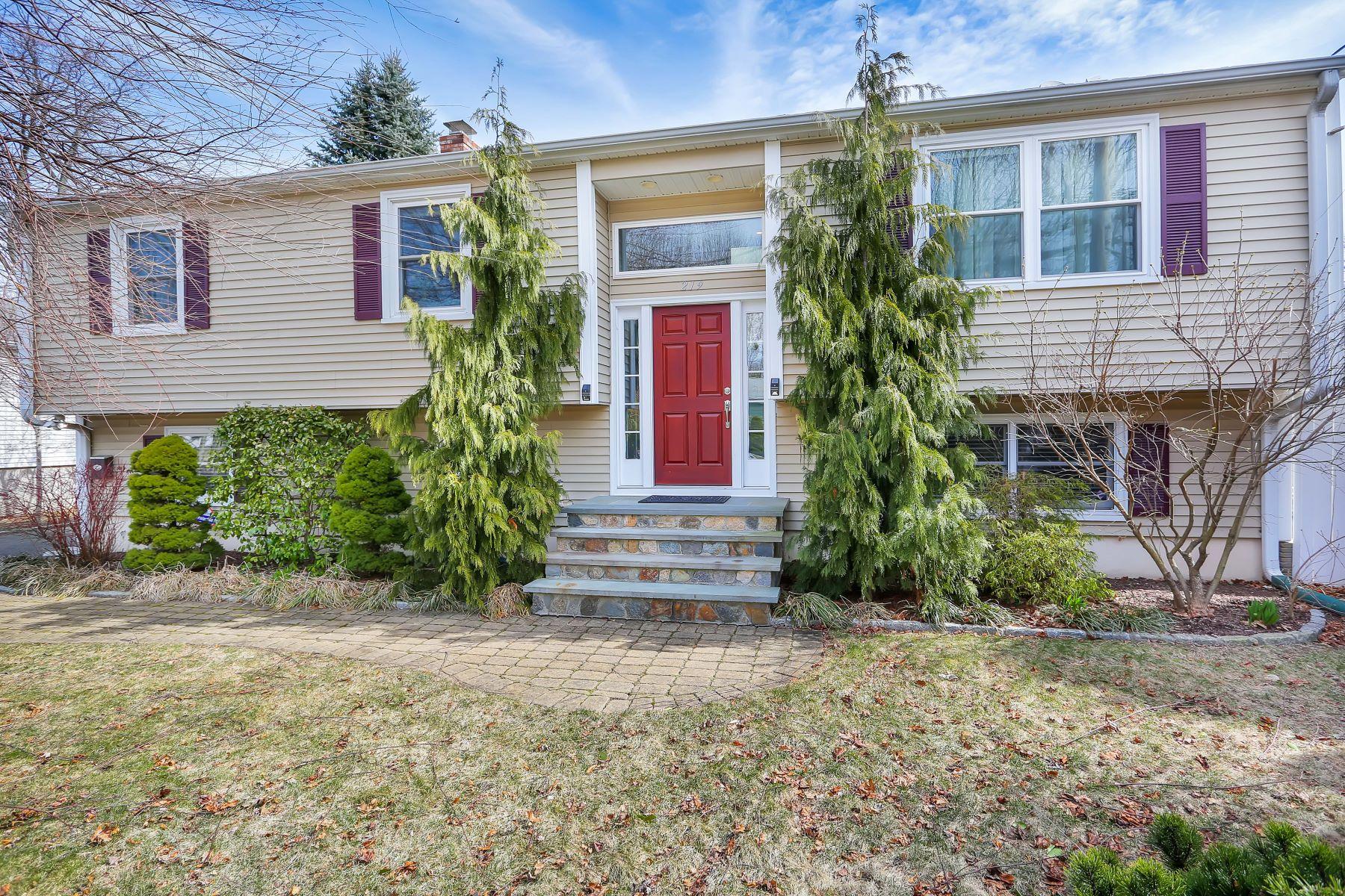 Tek Ailelik Ev için Satış at Designer Home 219 Maplewood Avenue Milford, Connecticut 06460 Amerika Birleşik Devletleri
