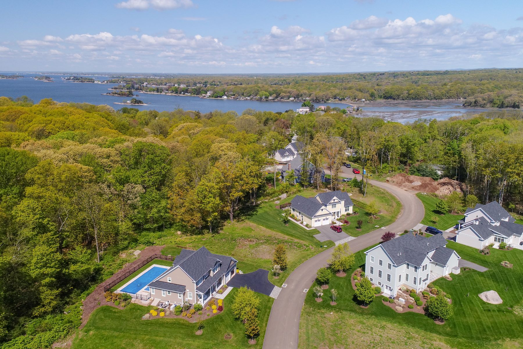 Single Family Homes for Active at 4 Benton's Knoll Guilford, Connecticut 06437 United States