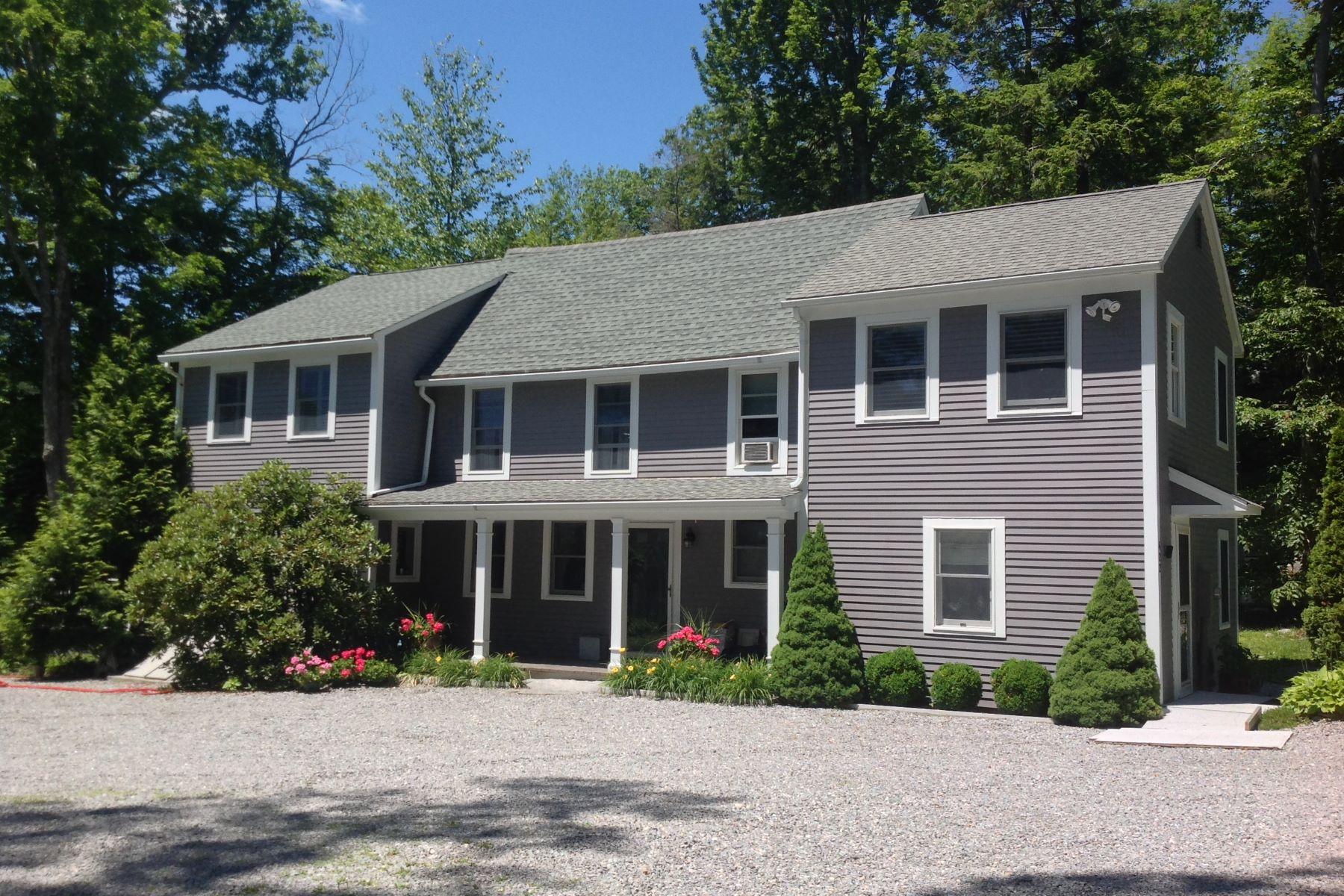 Eensgezinswoning voor Verkoop op Highland Lake Colonial 422 East Wakefield Boulevard, Winchester, Connecticut 06098 Verenigde Staten