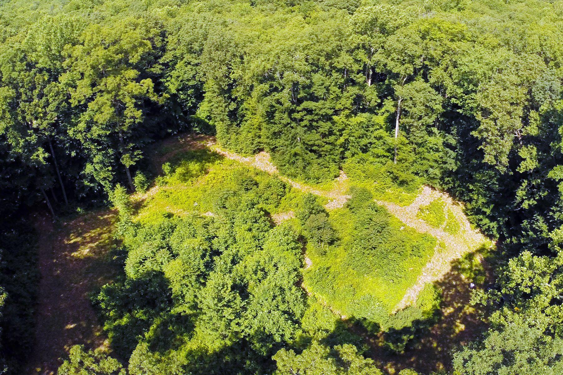 土地 为 销售 在 1225b Durham Rd Madison, Connecticut 06443 United States