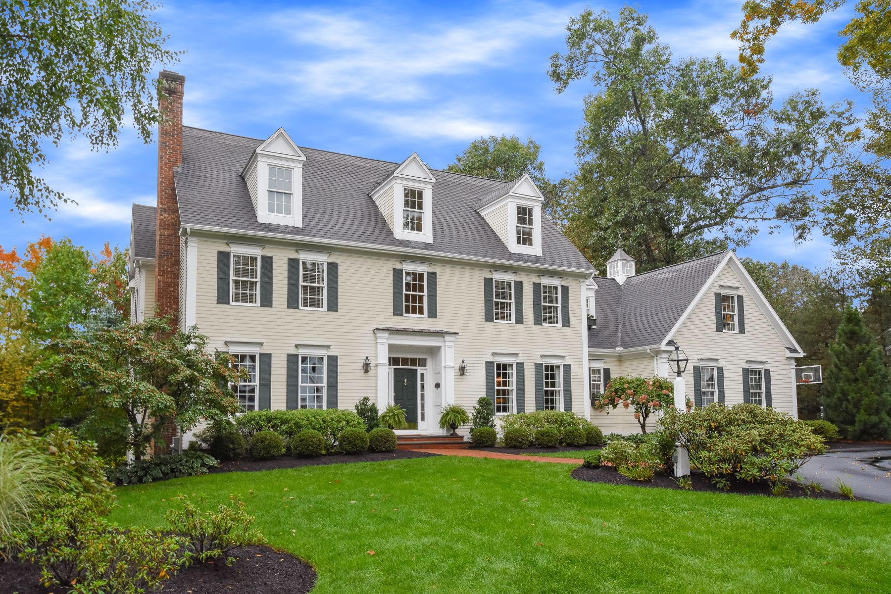 Single Family Homes for Sale at 15 Cambridge Crossing Avon, Connecticut 06001 United States