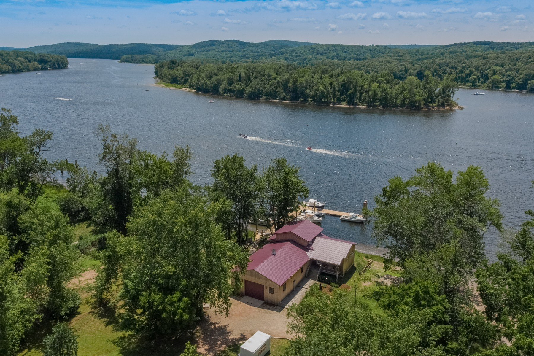 single family homes voor Verkoop op Ct. River Waterfront, Spectacular Setting 326 Rock Landing Road, Haddam, Connecticut 06424 Verenigde Staten