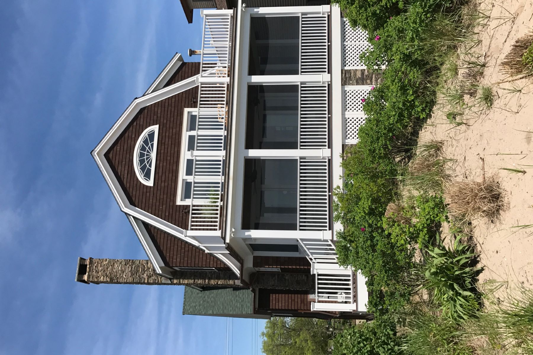 Maison unifamiliale pour l Vente à Nantucket on Fairfield Beach 1445 Fairfield Beach Road Fairfield, Connecticut 06824 États-Unis