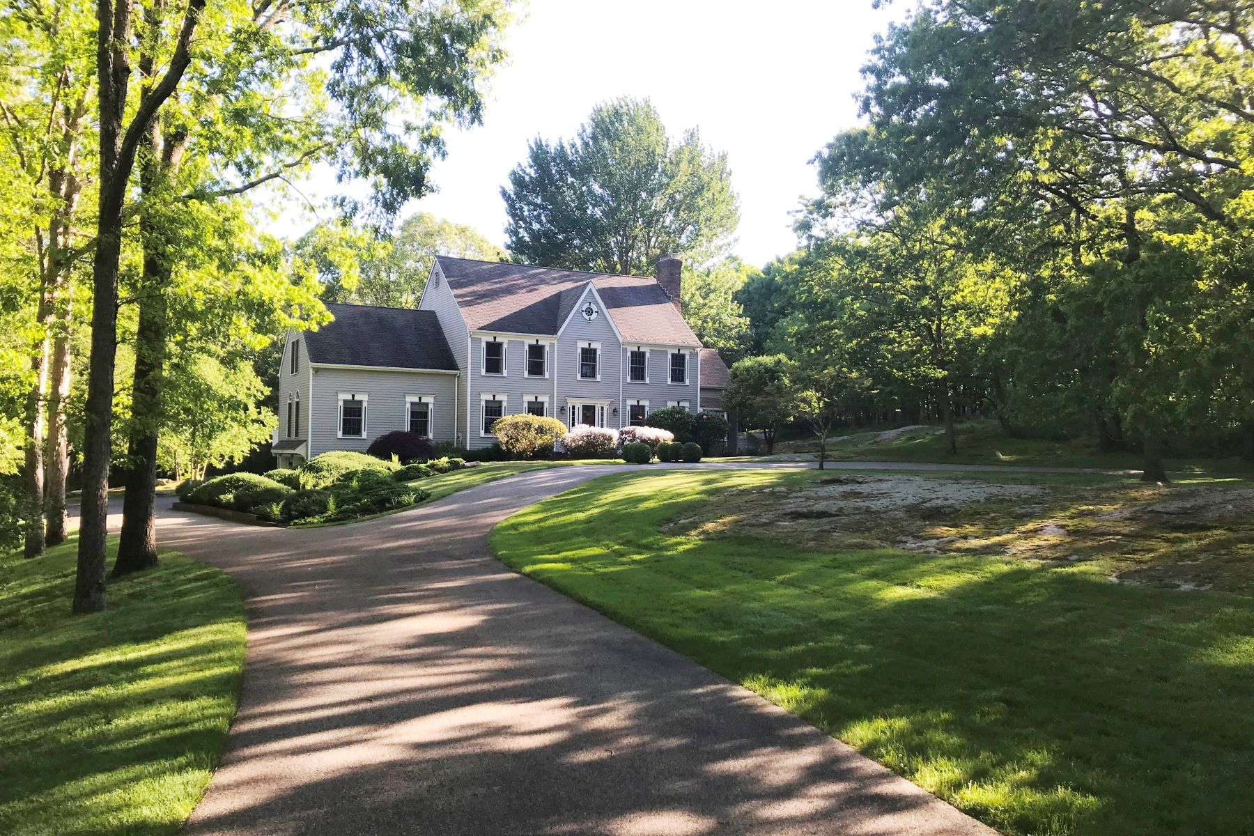 Single Family Homes for Sale at STATELY COLONIAL 66 Whipstick Road Ridgefield, Connecticut 06877 United States