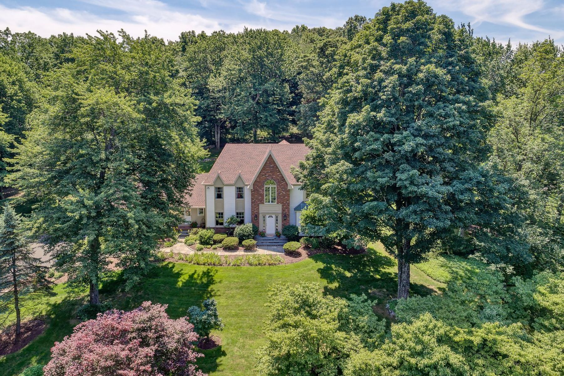 Moradia para Venda às Stunning High Setting 11 Crosswicks Ridge Road, Wilton, Connecticut, 06897 Estados Unidos