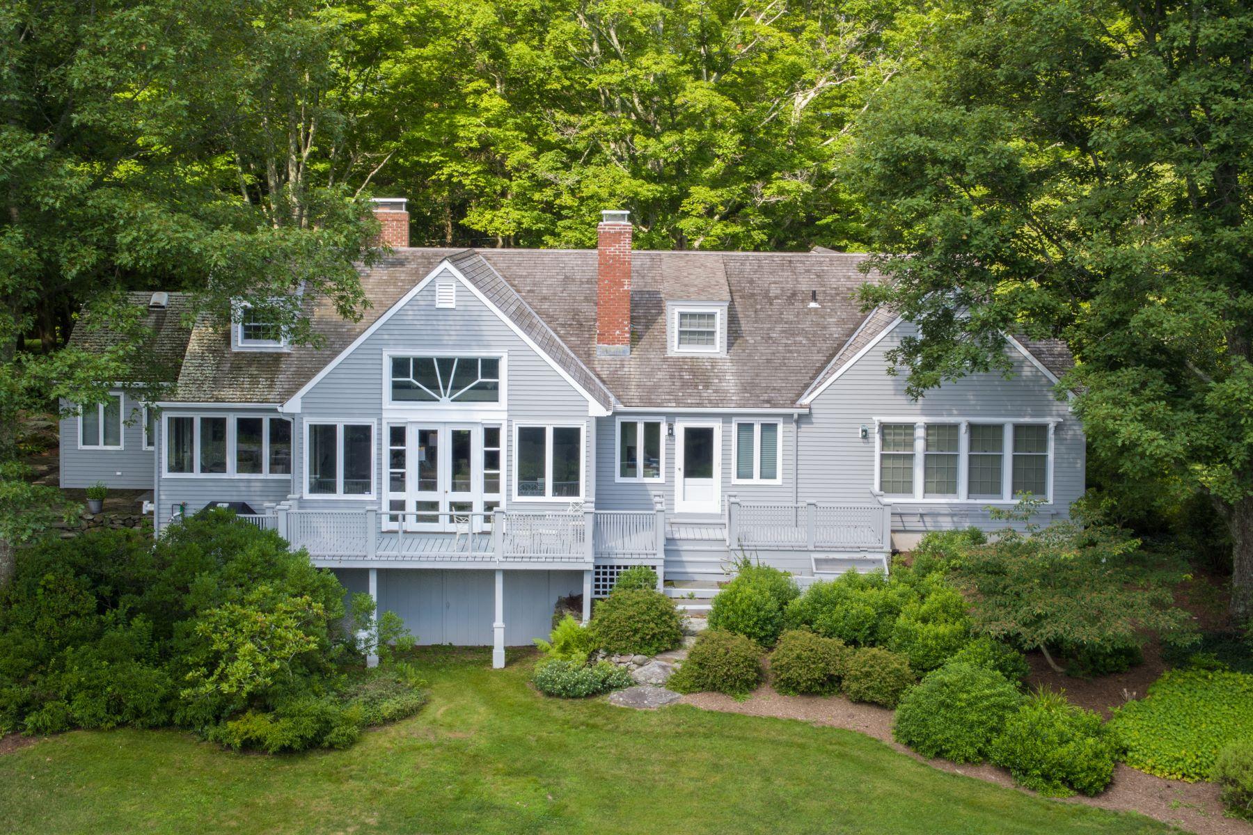 Eensgezinswoning voor Verkoop op 128 Chestnut Hill Road Killingworth, Connecticut 06419 Verenigde Staten