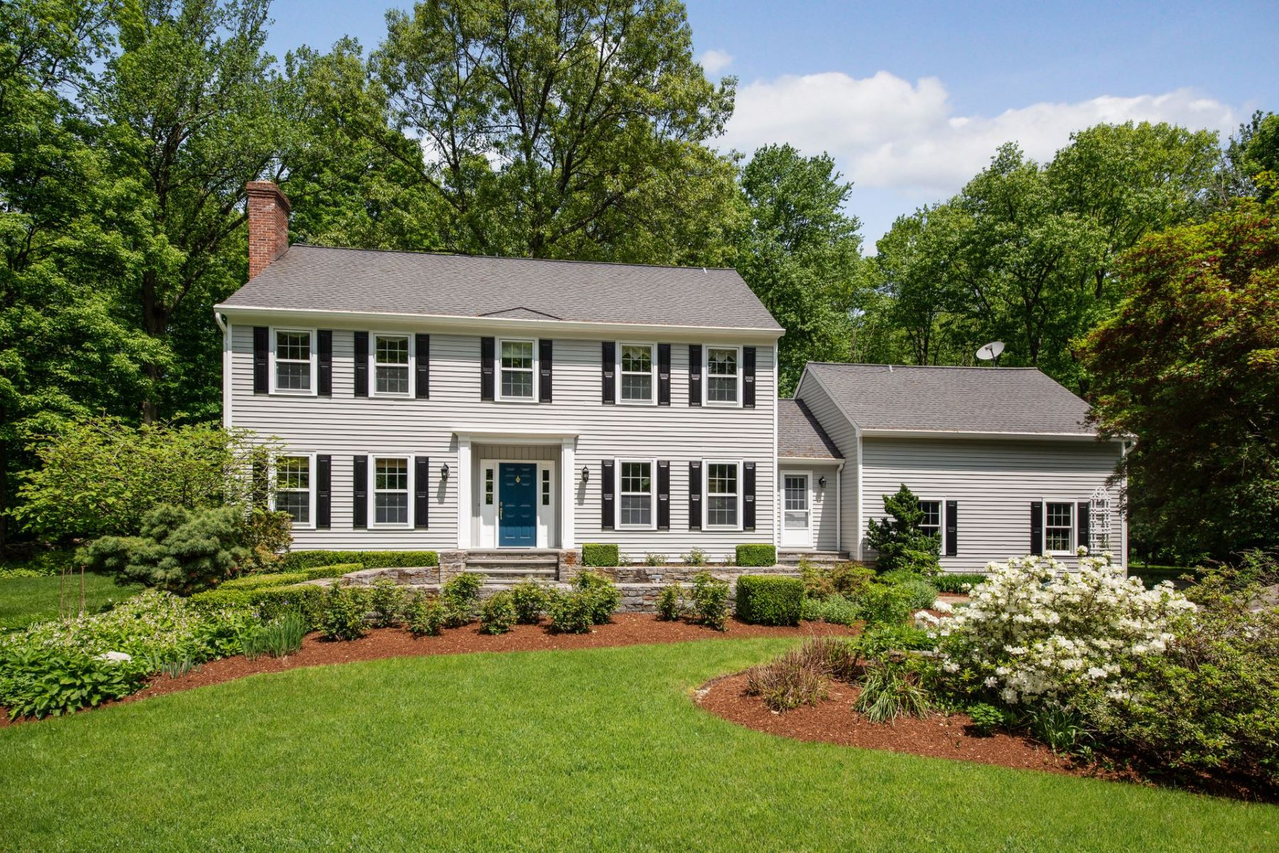 Single Family Homes for Sale at Fabulous Farmingville Colonial 30 Banks Hill Place Ridgefield, Connecticut 06877 United States