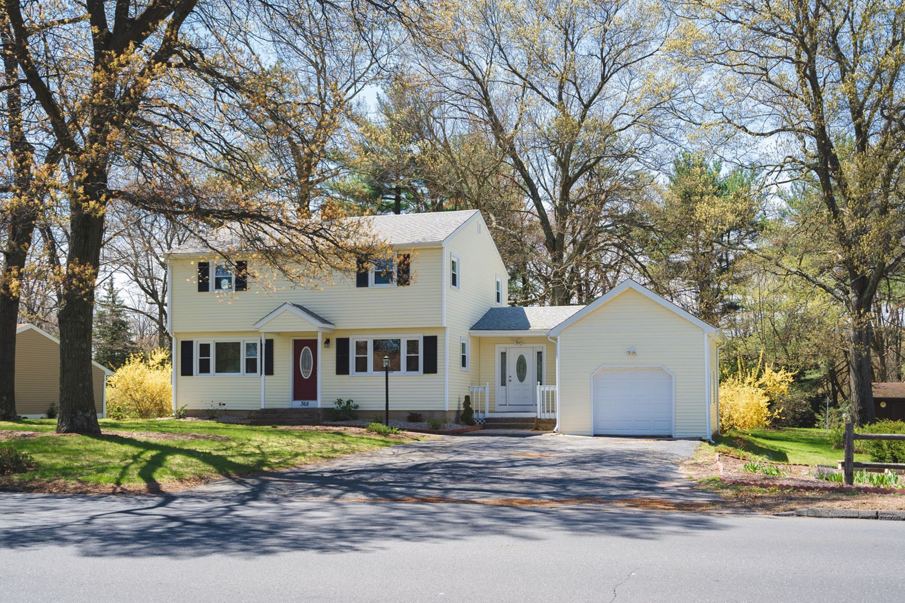 Single Family Homes for Sale at 368 Jude Lane 368 Jude Ln Southington, Connecticut 06489 United States