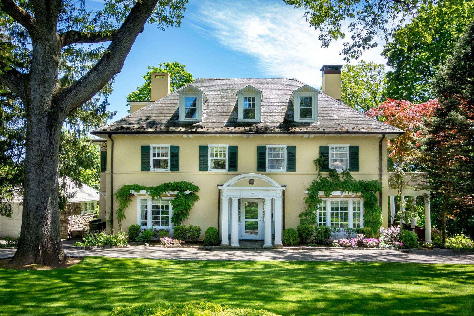 Single Family Homes for Sale at Welcome To 17 Ridge Road 17 Ridge Road Bronxville, New York 10708 United States