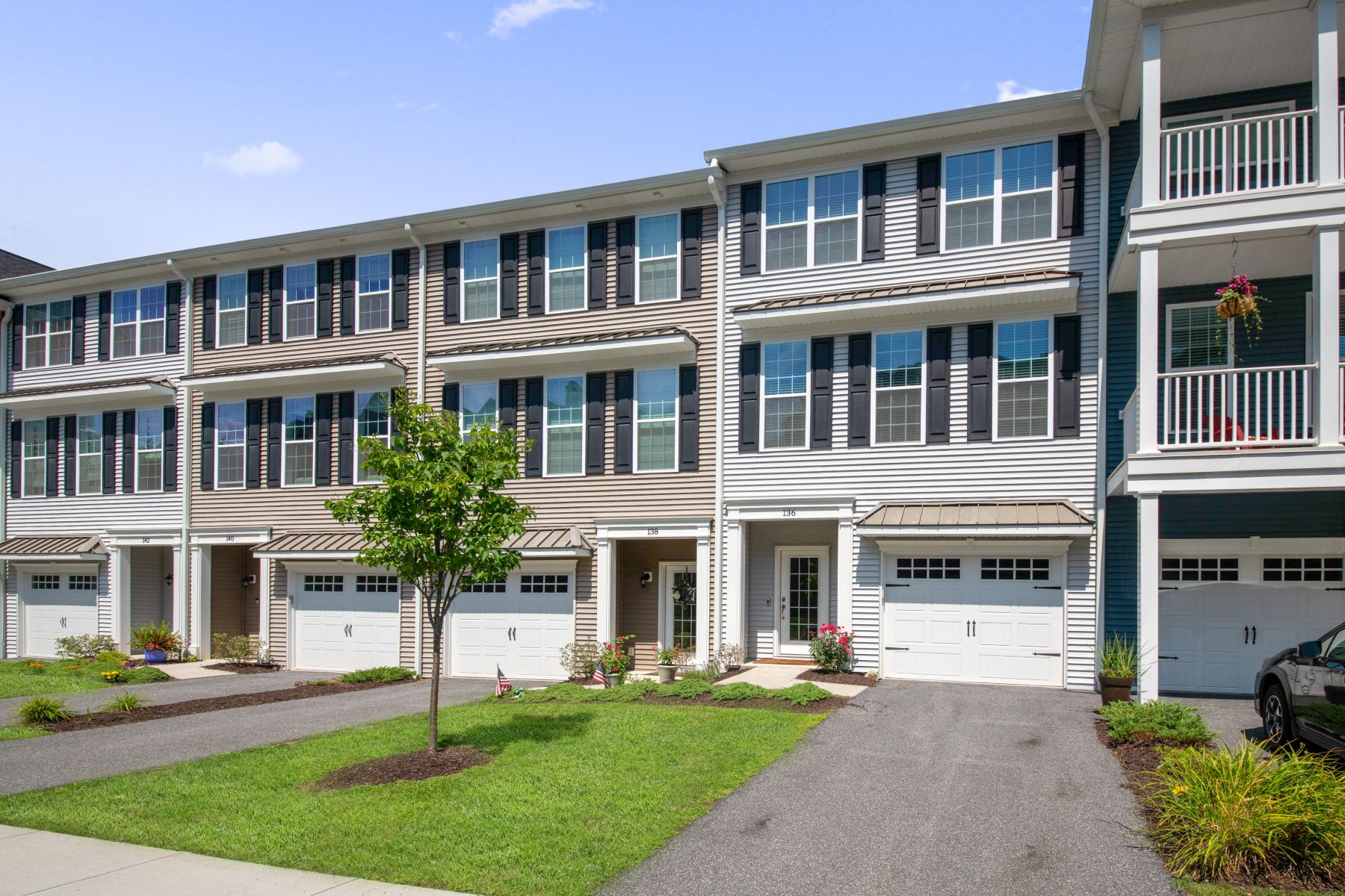 townhouses for Sale at 136 Warrington Round 136 Danbury, Connecticut 06810 United States