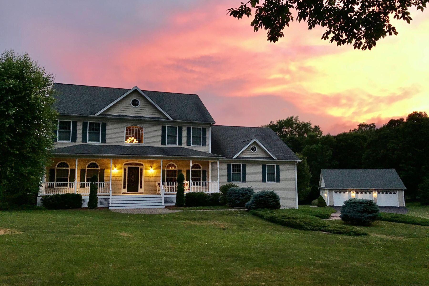 Single Family Homes للـ Sale في Morris, Connecticut 06763 United States