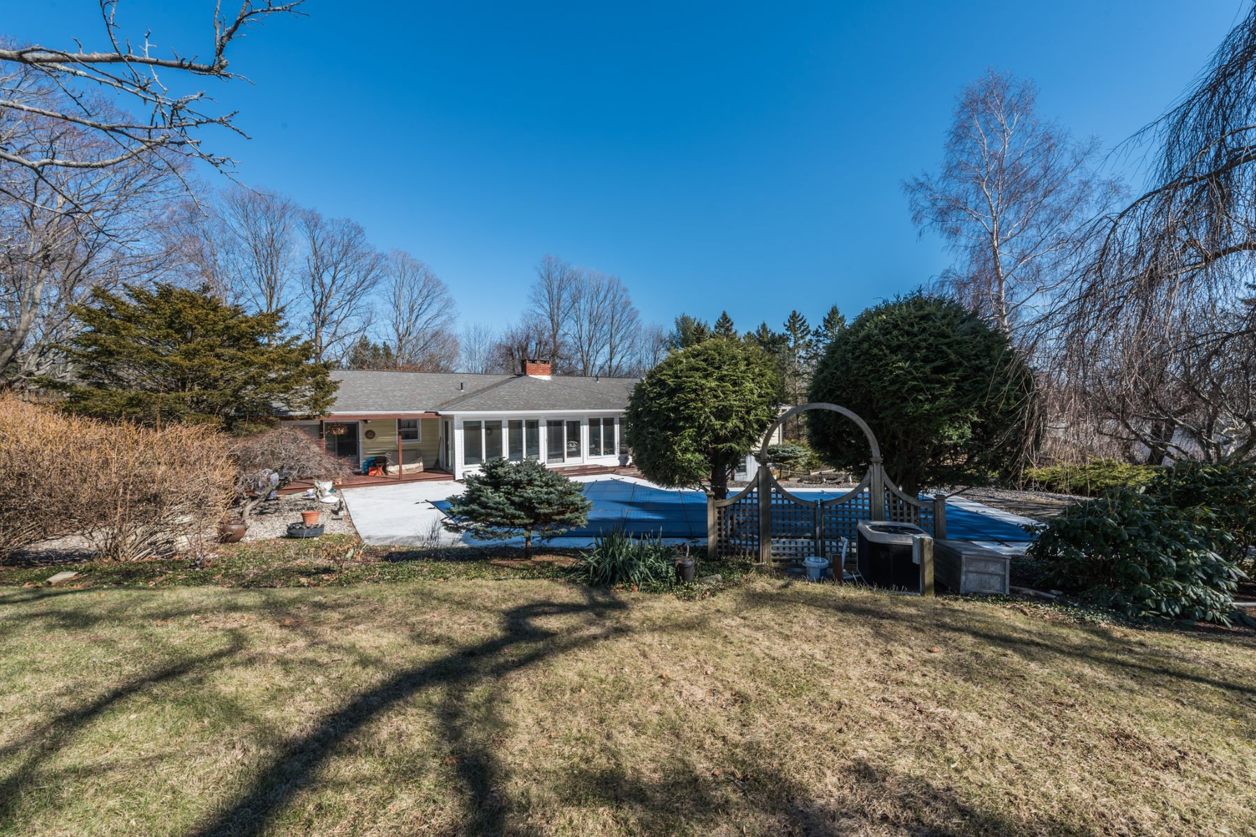 Single Family Home for Sale at Spacious And Bright 76b Clapboard Ridge Rd, Danbury, Connecticut, 06811 United States