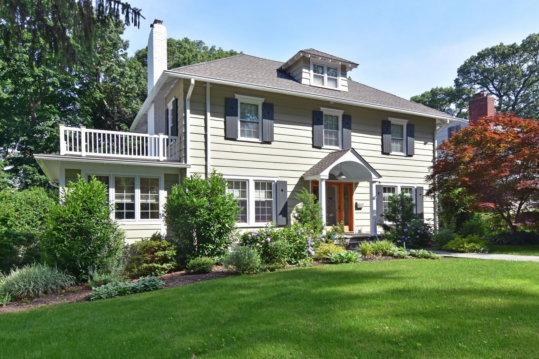 Single Family Homes for Sale at Welcome to 45 Harmon Avenue! 45 Harmon Avenue Pelham, New York 10803 United States