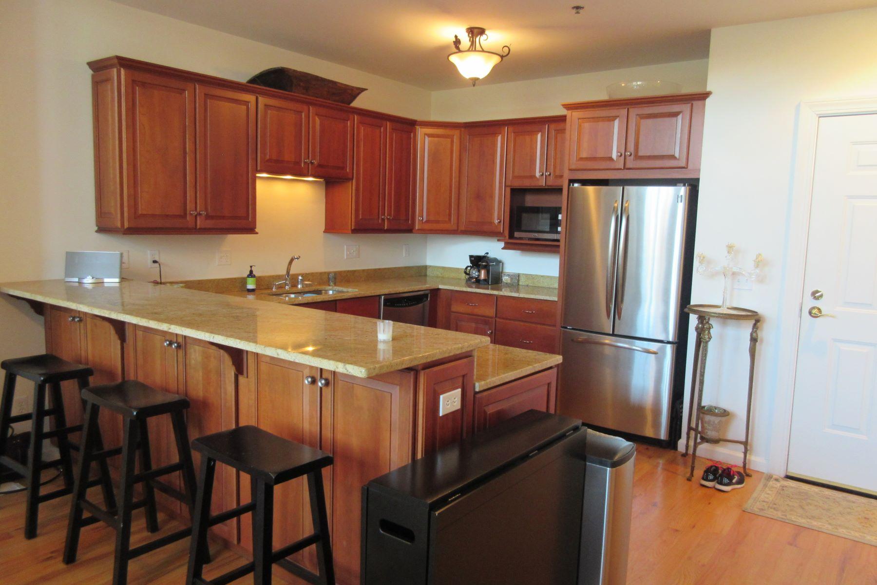 Condominiums vì Bán tại 1 Indian Neck Avenue 6, Branford, Connecticut 06405 Hoa Kỳ