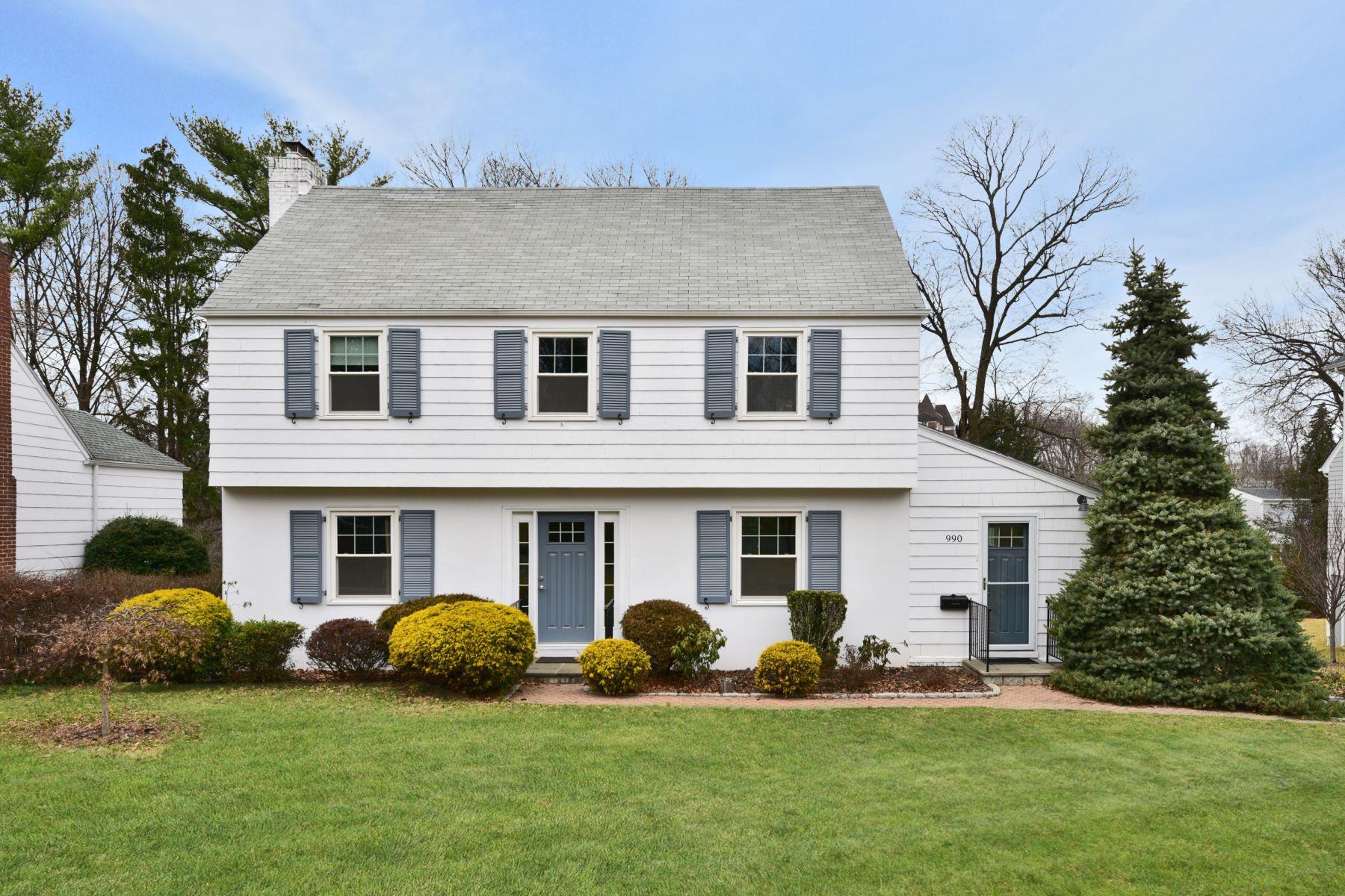 Casa Unifamiliar por un Venta en Shore Acres Colonial 990 The Pkwy, Mamaroneck, Nueva York, 10543 Estados Unidos
