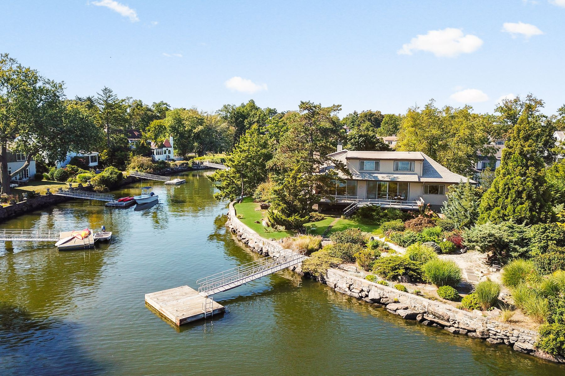 Single Family Homes for Sale at 1 Spanish Cove Road 1 Spanish Cove Rd Larchmont, New York 10538 United States
