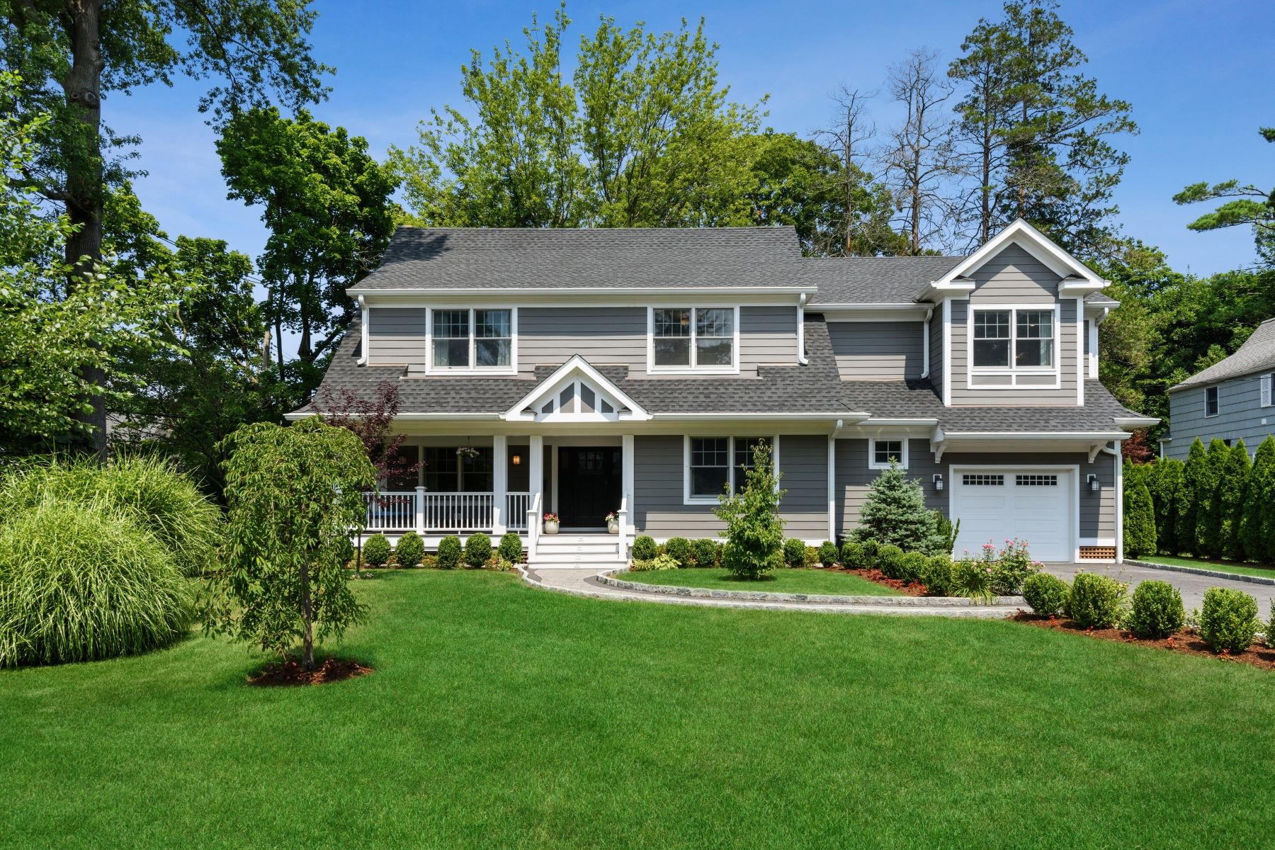 Single Family Homes for Active at 3 Carleon Avenue Larchmont, New York 10538 United States