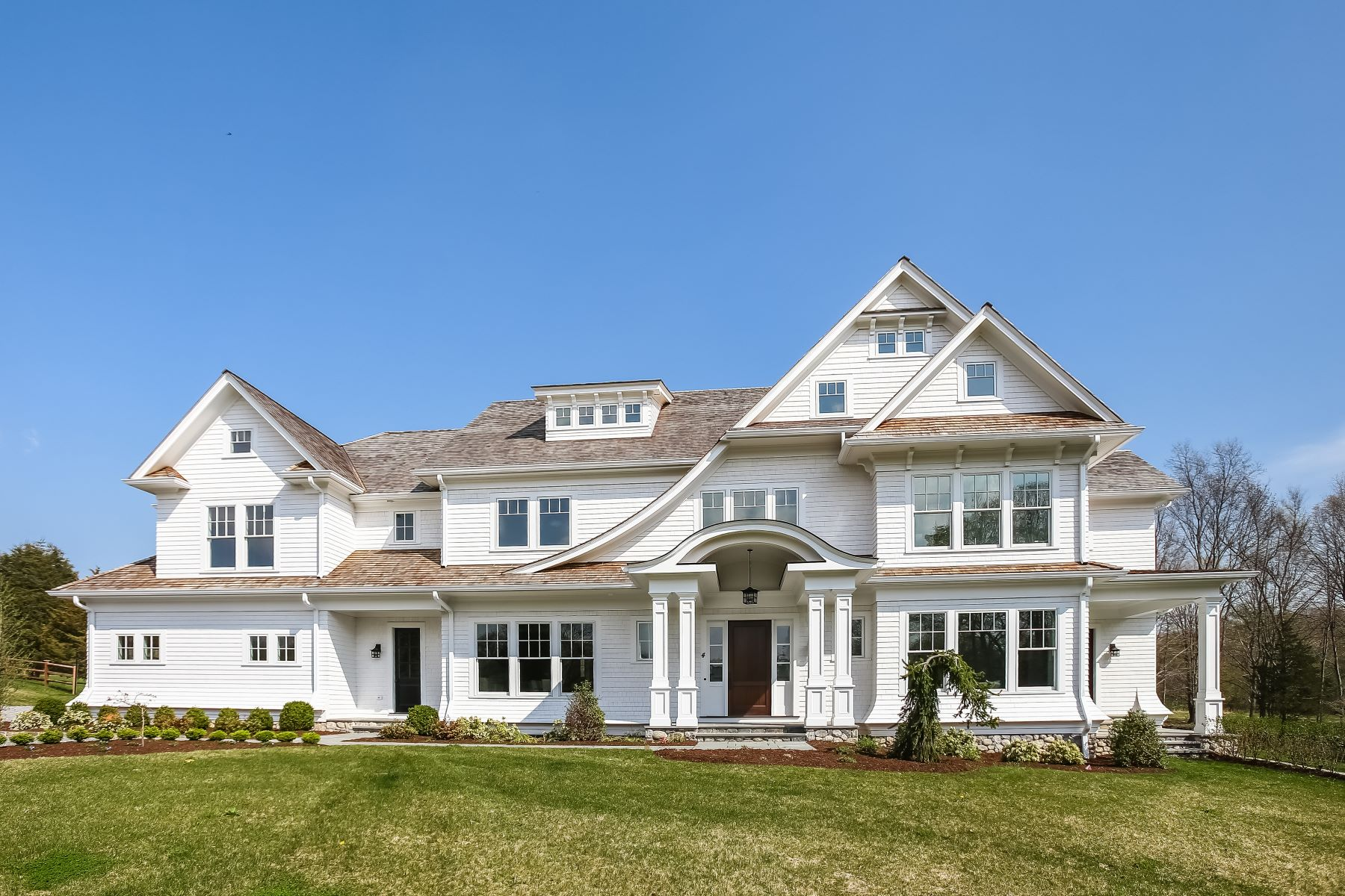 Single Family Homes for Sale at Majestically Sited at the Top of Middlebrook Meadow 4 Middlebrook Lane Wilton, Connecticut 06897 United States