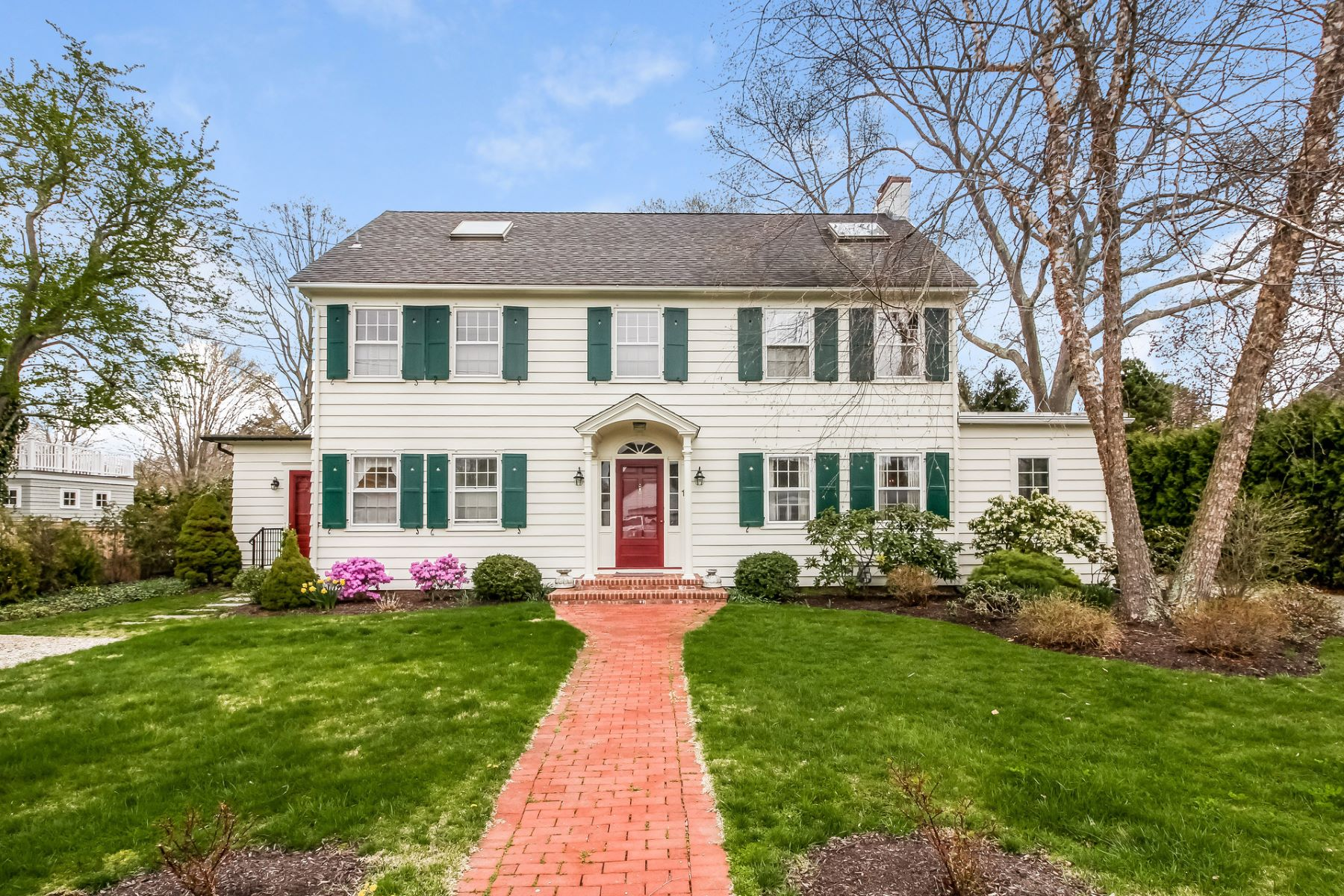 Casa Unifamiliar por un Venta en 11 Neptune Ave Madison, Connecticut, 06443 Estados Unidos