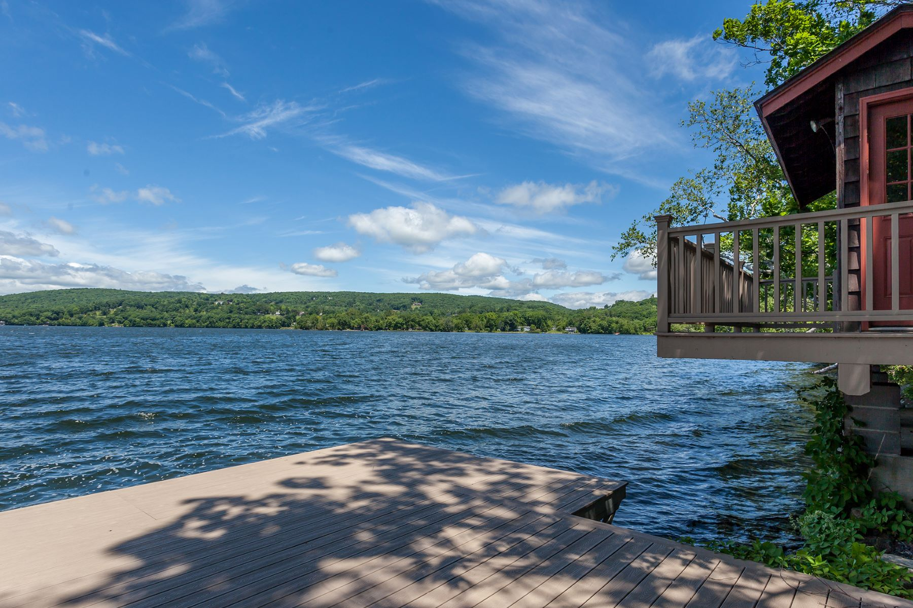 Villa per Vendita alle ore The Lake Waramaug Lodge 156 East Shore Road Washington, Connecticut, 06777 Stati Uniti