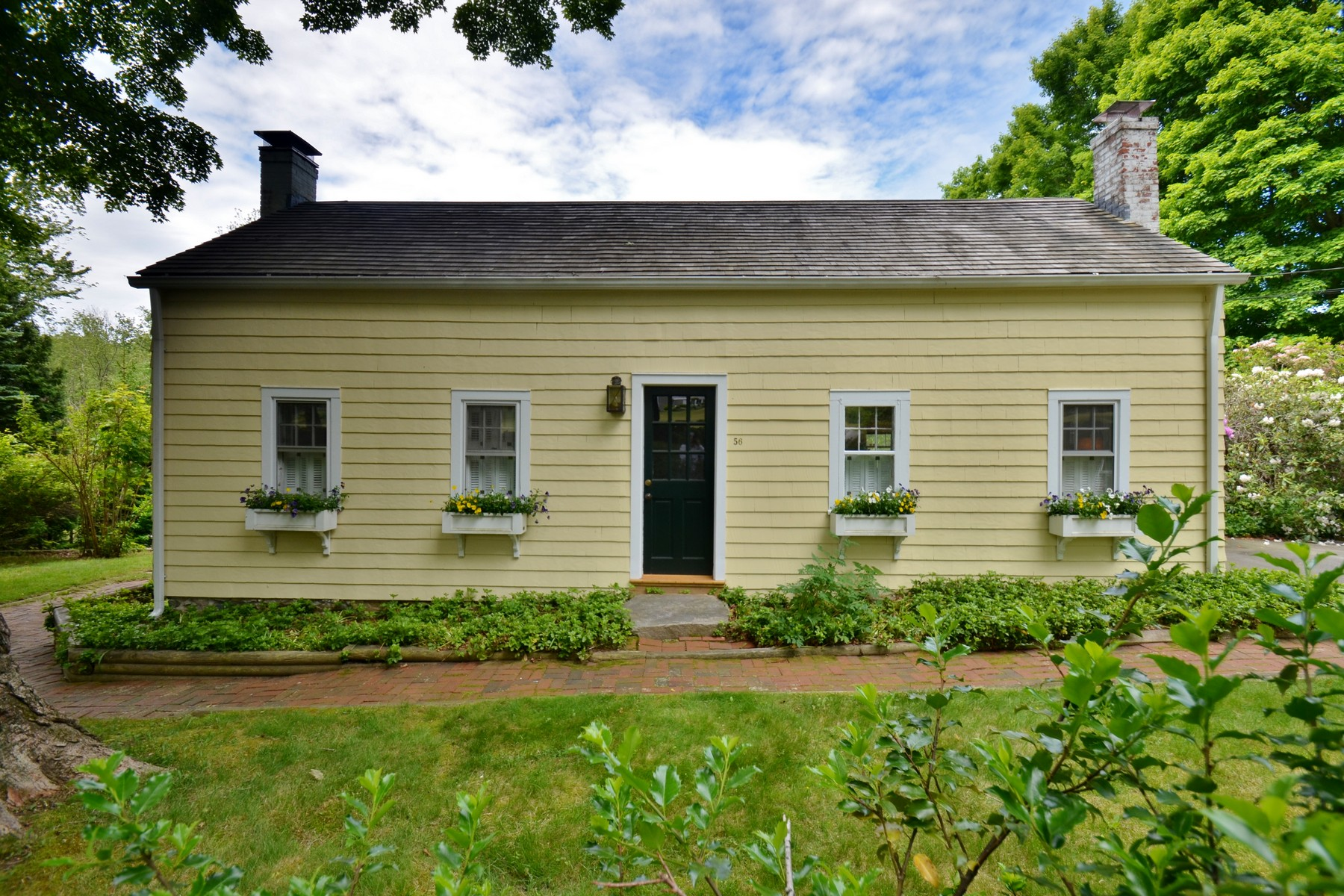 Single Family Home for Sale at Cape Abounds with Character & Charm 56 Sill Ln Old Lyme, Connecticut 06371 United States