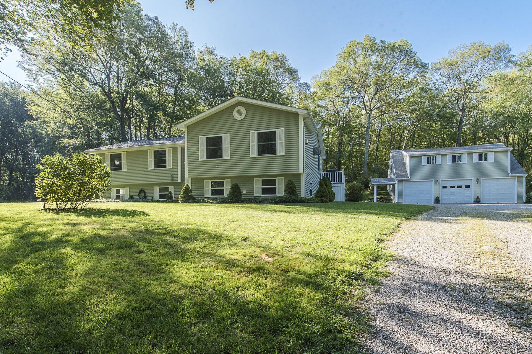 独户住宅 为 销售 在 58 Schuller Road 哈达姆, 康涅狄格州, 06441 美国