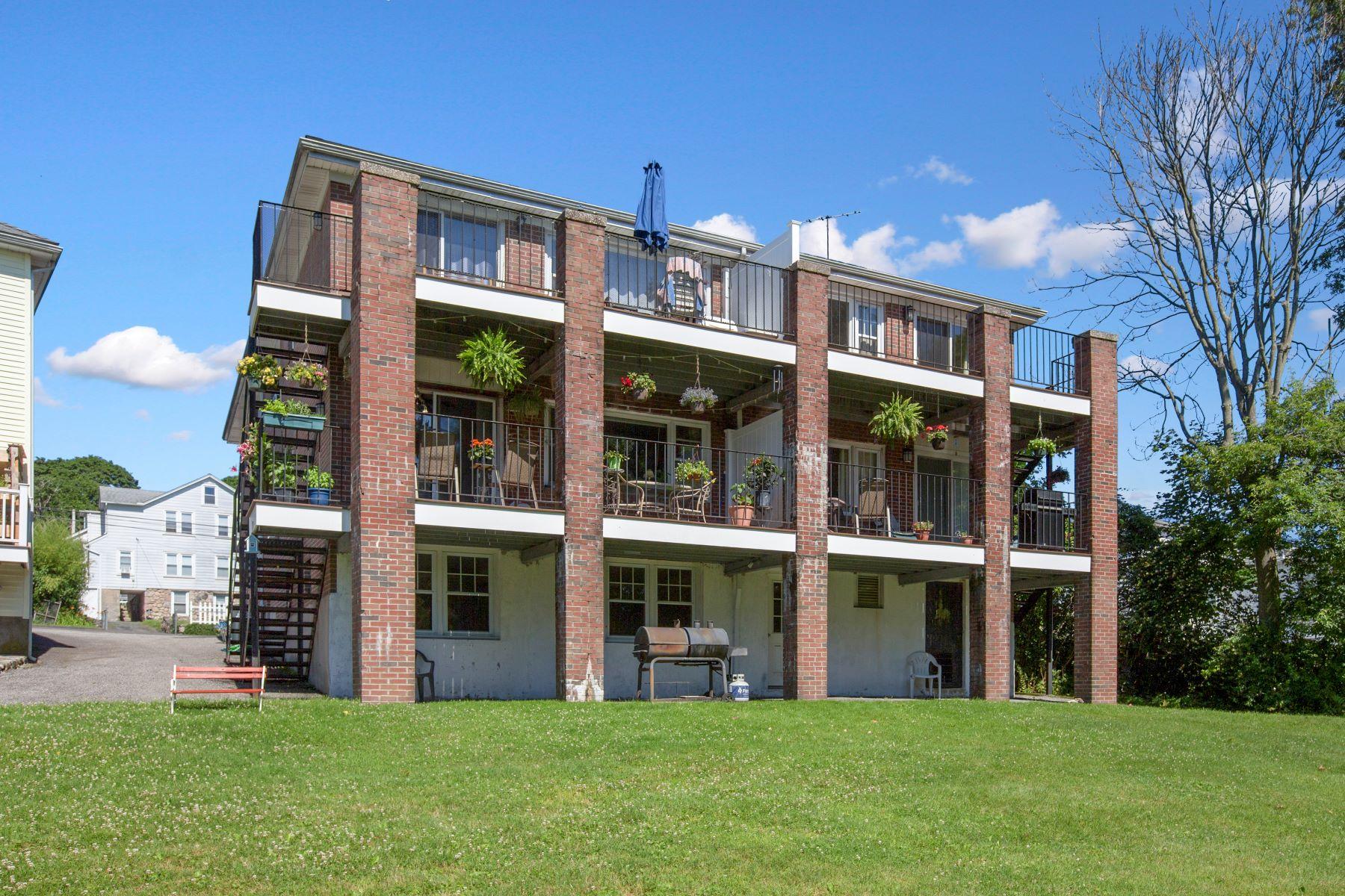 Other Residential Homes por un Venta en Multi-Family for Sale 66, 112, Euclid Avenue Stamford, Connecticut 06902 Estados Unidos