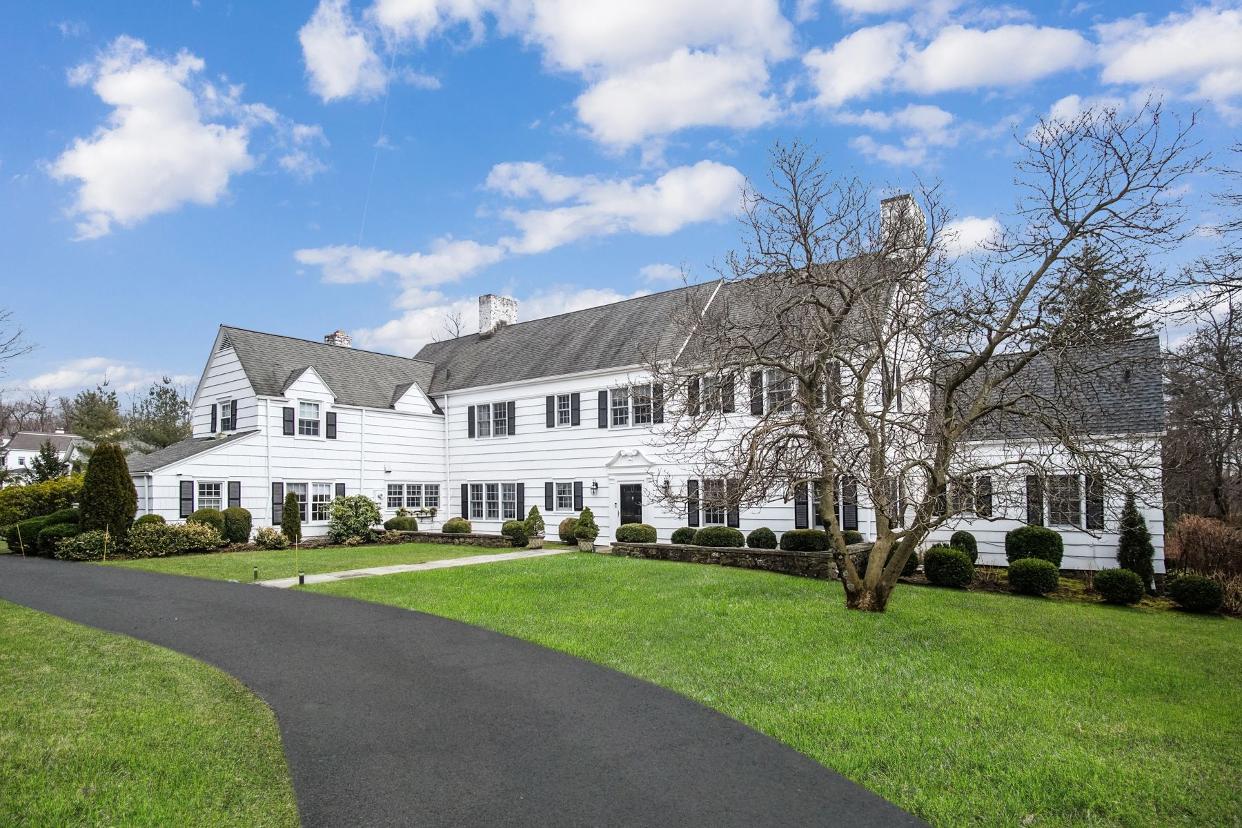 Single Family Homes for Active at 28 Muchmore Road Harrison, New York 10528 United States