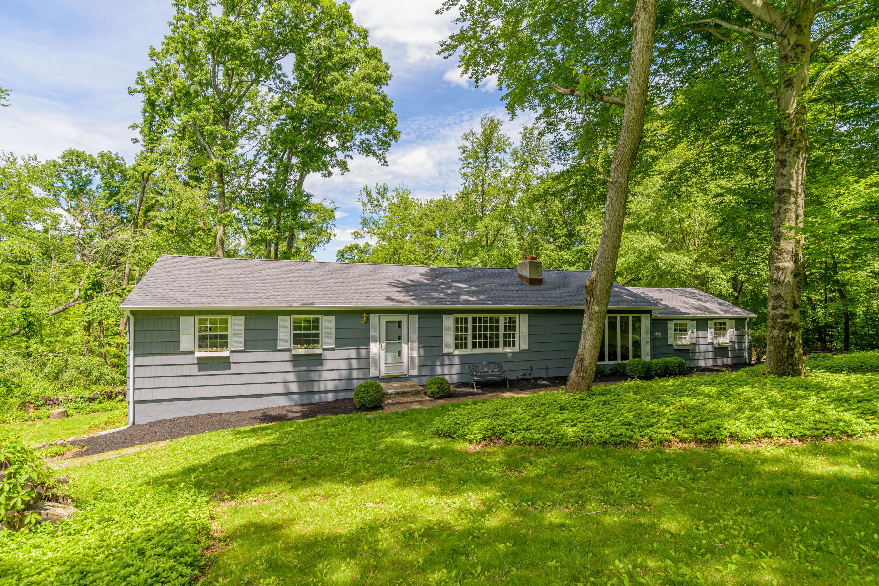 Single Family Homes for Sale at Mint Condition Ranch 65 Rita Drive New Fairfield, Connecticut 06812 United States