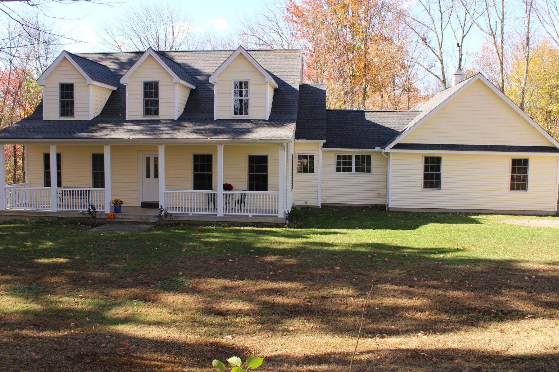 Casa Unifamiliar por un Venta en Custom Built Cape 160 East Chestnut Hill Rd Litchfield, Connecticut, 06759 Estados Unidos
