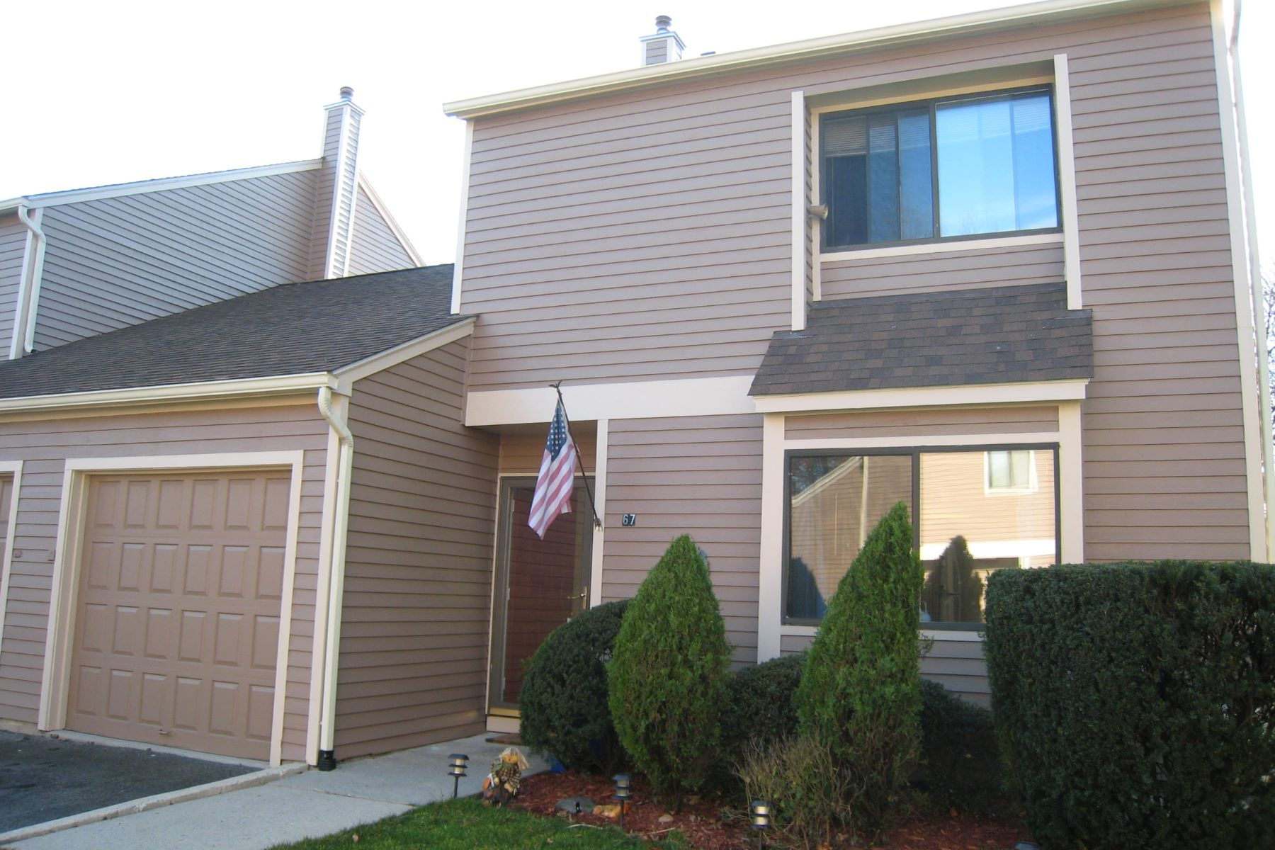 Townhouse for Sale at 67 Arthur Court Port Chester, New York, 10573 United States
