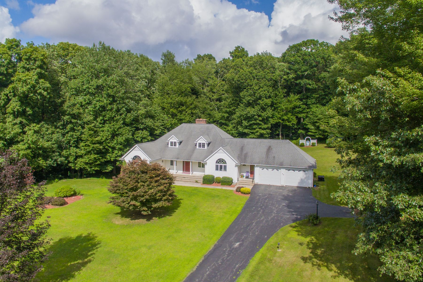single family homes for Sale at Privacy Meets Convenience in this Expansive Custom Built Ranch 42 Rosemarie Lane, Bozrah, Connecticut 06334 United States
