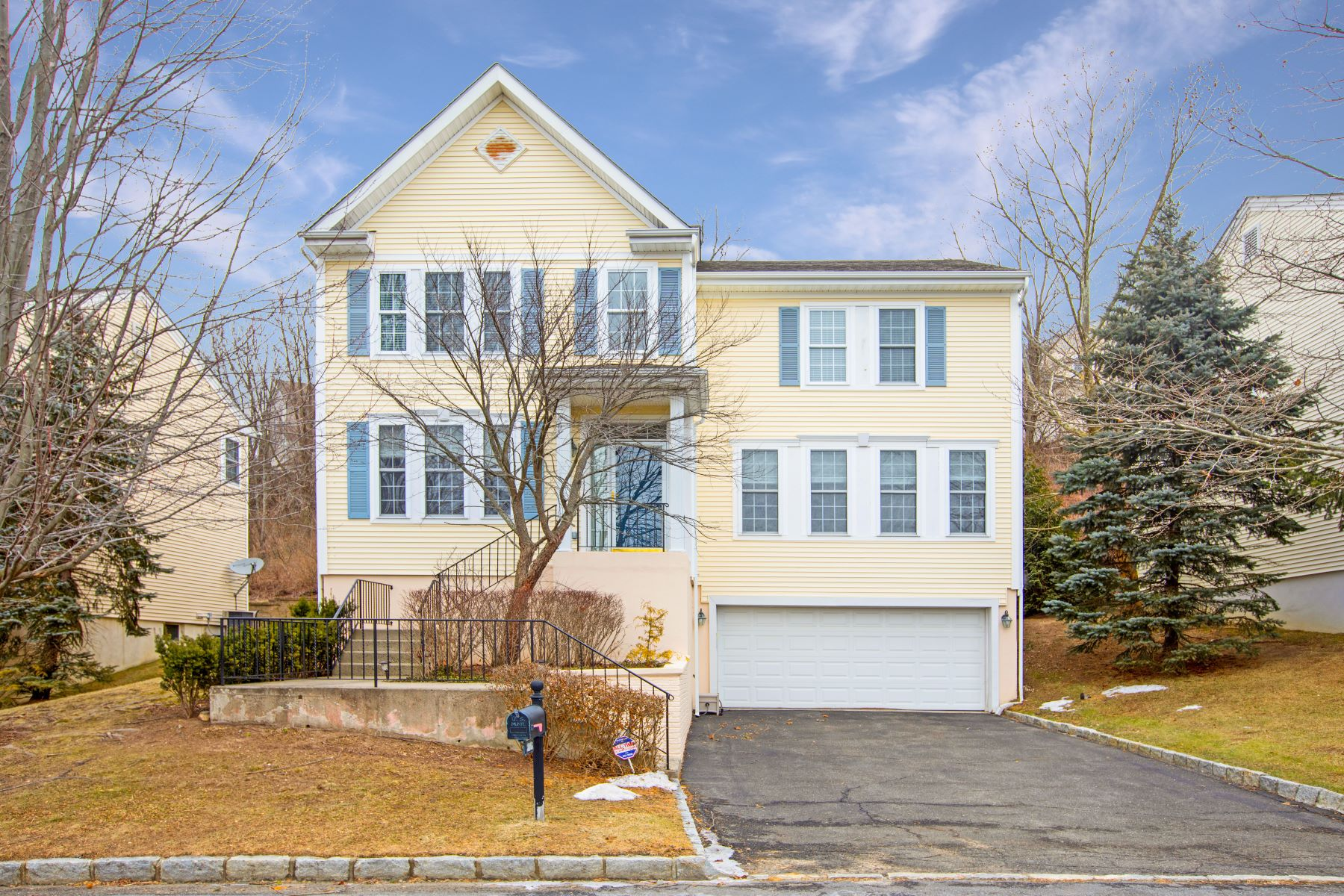Single Family Homes for Active at 26 Bellefair Road Rye Brook, New York 10573 United States