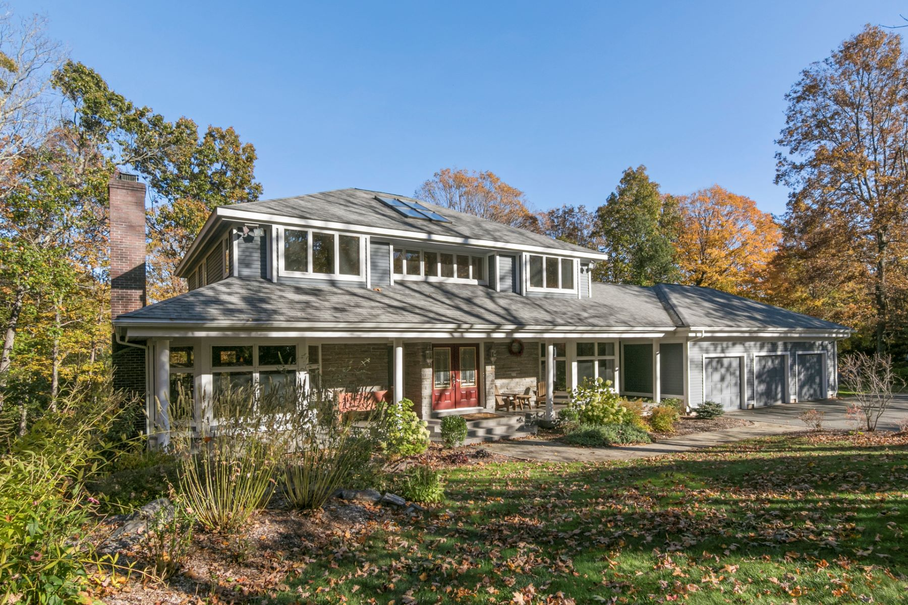 Single Family Homes for Sale at 340 Foot Hills Road Haddam, Connecticut 06441 United States