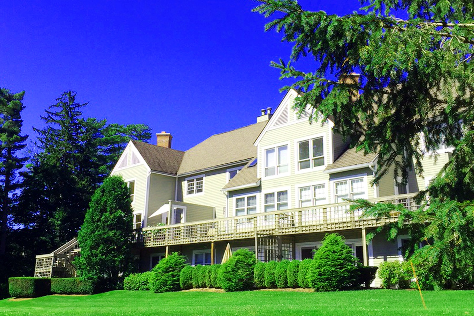 Casa Unifamiliar por un Venta en Condominium Close To Main Street 80 Taconic Ave Great Barrington, Massachusetts 01230 Estados Unidos