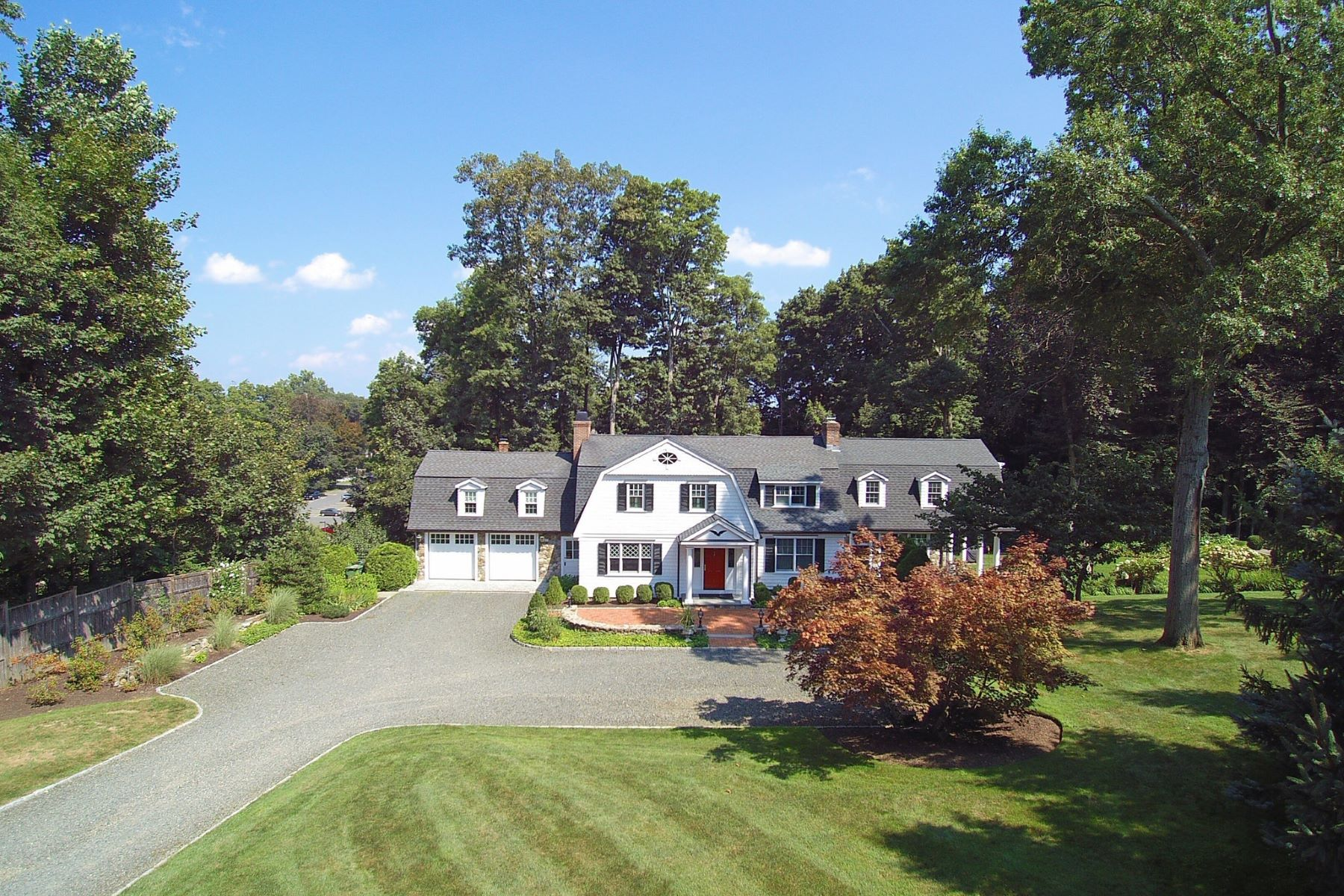 "single family homes voor Verkoop op Notable Home on ""Publisher's Row"" 74 High Ridge Avenue, Ridgefield, Connecticut 06877 Verenigde Staten"